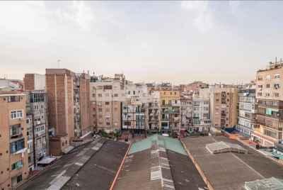 Уютная меблированная квартира в центре Барселоны